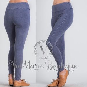 Stretchy Biker Accent Yoga Leggings